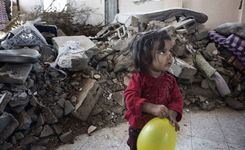 """2014 a """"Devastating year"""" for millions of children trapped by conflict – UNICEF - Girls"""