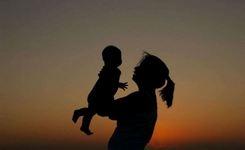 Министерството за здравство со години наназад покрива само дел од потребниот износ за партиципација за породувањата извршени во јавните здравствени установи